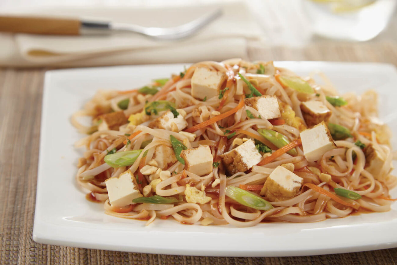QUICK AND EASY PAD THAI WITH TOFU